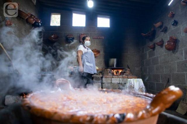Cocineras de Calpan ganan 2º lugar en concurso nacional