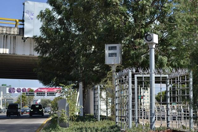 Reciclan empresa de Jalisco para ganar fotomultas en Puebla