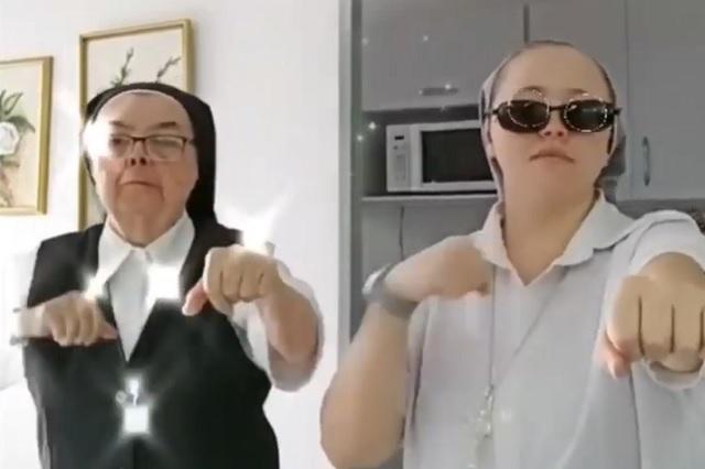 Monjas se viralizan por protagonizar 'celestial' baile en Tik Tok