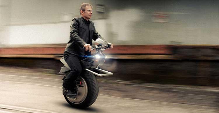 Lanzarán en agosto el primer Monociclo Motorizado; cualquiera podrá manejarlo