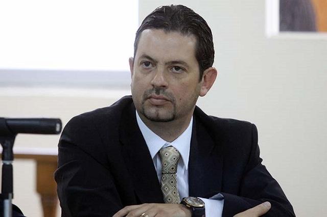 Ex consejero del IEE, Paul Monterrosas, aspira al interinato