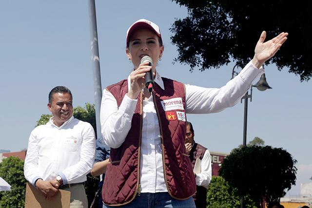 Ante la Fepade, denuncia Nancy de la Sierra a Mario Riestra