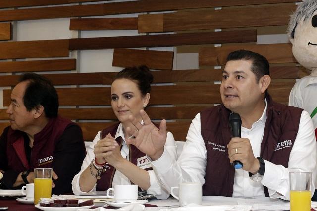 Dañan 12 espectaculares de candidatos de Morena-PES-PT