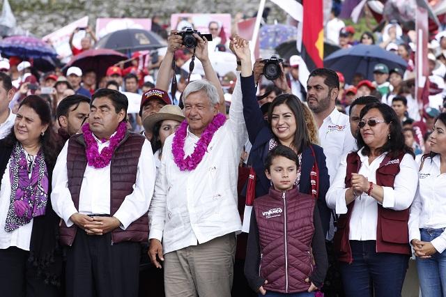 Llama López Obrador a cuidar los votos en Puebla el 1 de julio