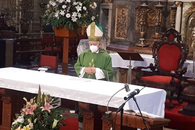 El semáforo cambia pero el Covid sigue, advierte arzobispo
