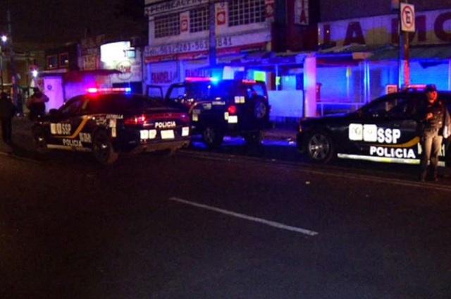 Motociclista atropella a policías para evadir alcoholímetro en Iztapalapa