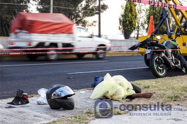 Muere motociclista al derrapar sobre la Recta a Cholula
