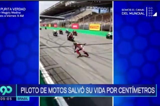 Motociclista se salva de la muerte por centímetros tras caerse en pista