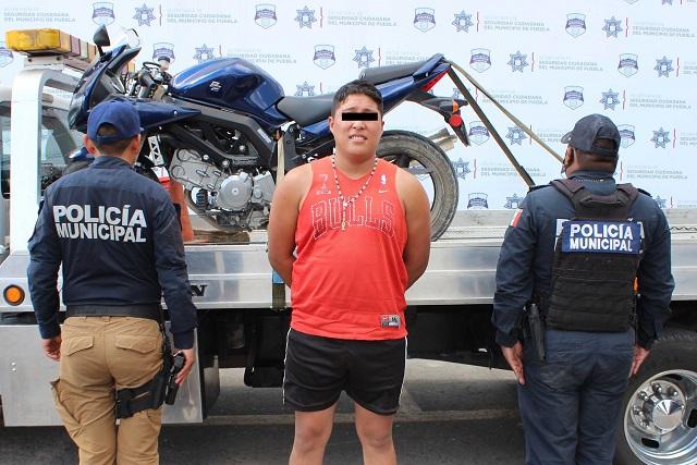 Lo detienen cuando se llevaba una moto ajena, en Puebla