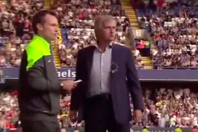 Entrenador del Chelsea insulta a la doctora del equipo