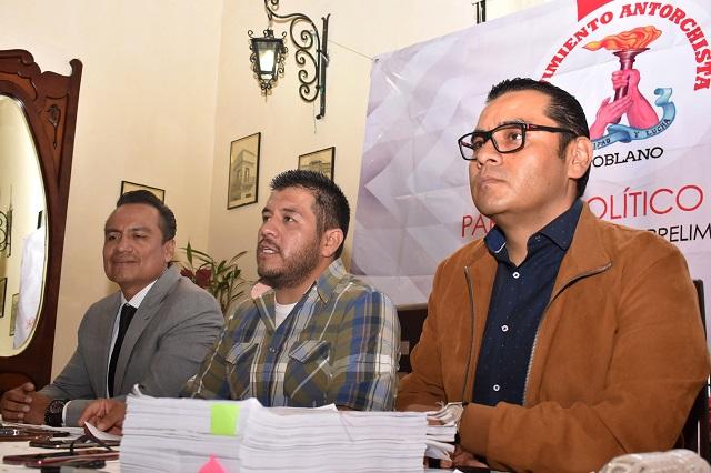 Morena y PRD bloquean registro de Antorcha como partido, acusa