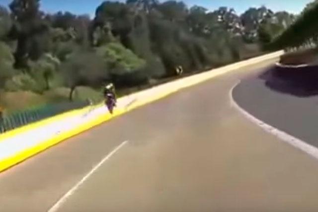 Graban accidente en el que muere un motociclista y publican el video