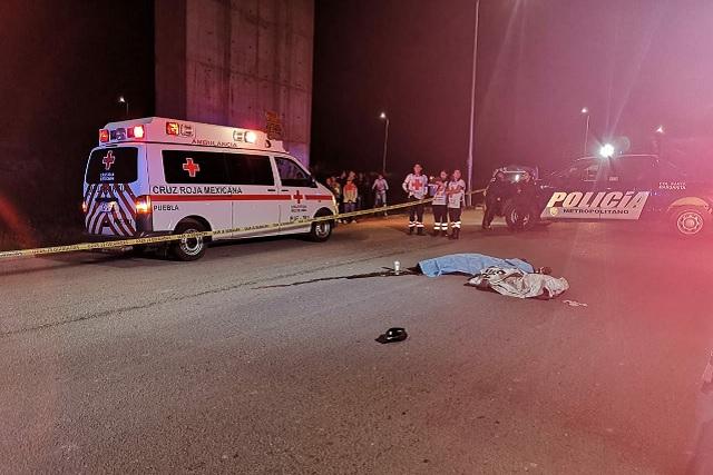 Muere joven al caer 30 metros del puente de Periférico y Clavijero