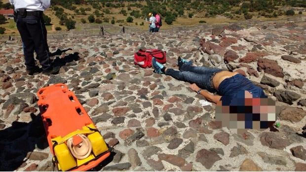 Muere turista al sufrir caída en Pirámide del Sol