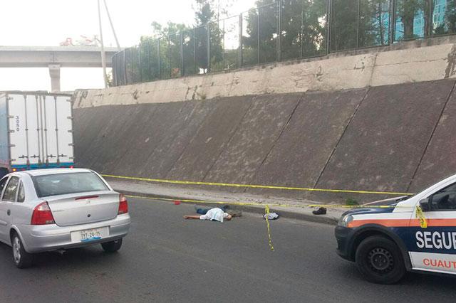 Tráiler atropella y mata a un hombre cerca de la planta VW