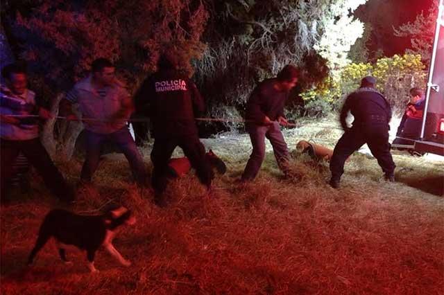 Perseguido por policías, joven drogado cae a barranca y muere