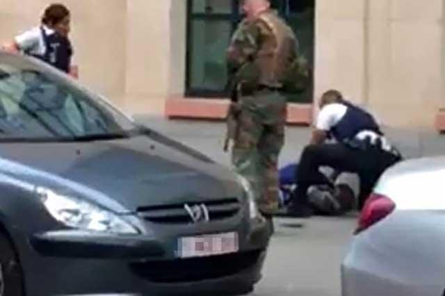 Matan en Bélgica a un sujeto que atacó con un cuchillo a dos policías