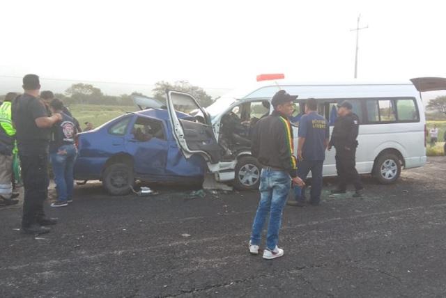 Un muerto y más de 10 heridos por choque en la Tehuacán-Teotitlán