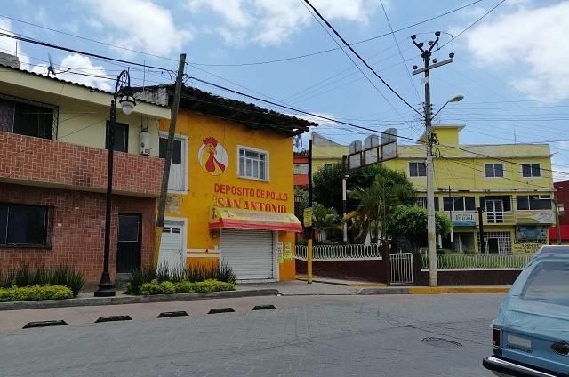 Muere velador en pollería de Huauchinango por posible Covid