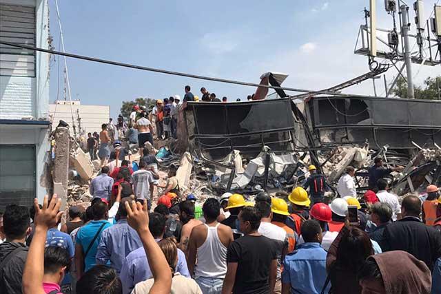 Aumenta a 248 la cifra de personas muertas en México debido al sismo de 7.1