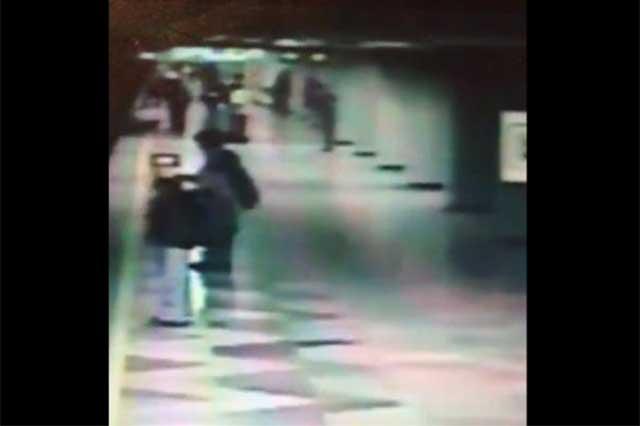 Capturan a un sujeto que arrojó a una mujer a las vías del Metro y la mató