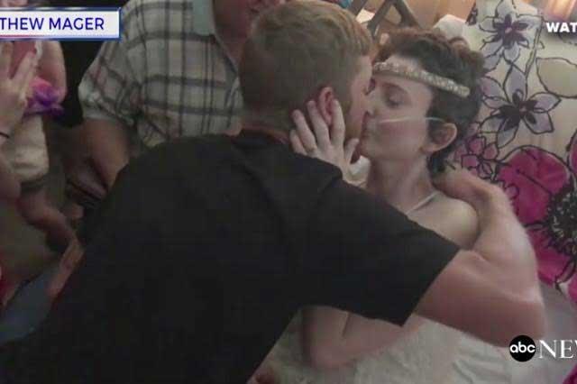 Mujer con cáncer terminal cumple su sueño y se casa con el amor de su vida