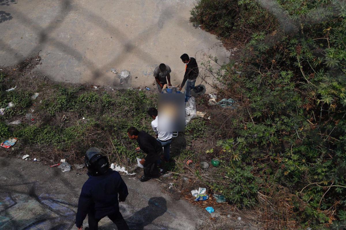Detienen a presunto feminicida en CDMX; se escondía en el desagüe