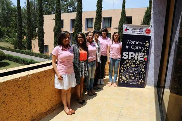 Impulsan a mujeres a estudiar ciencia, tecnología y matemáticas