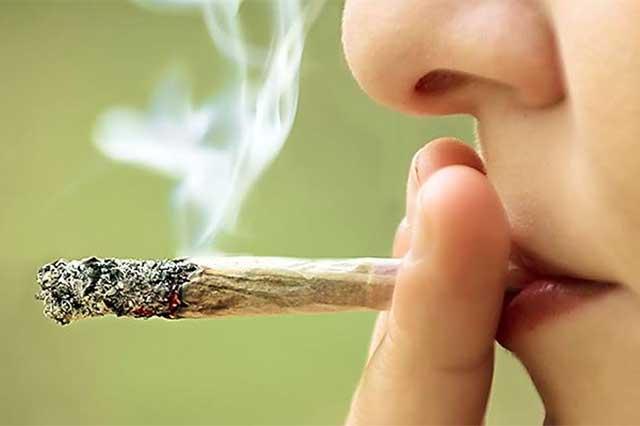 Estudio revela que aumentó el número de mujeres que consumen drogas