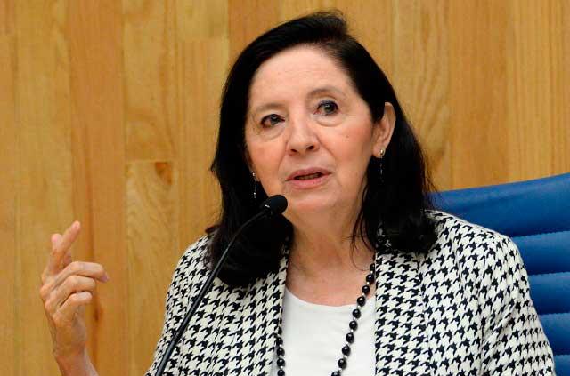 Encuesta revela que las mexicanas aún piden permiso para salir y trabajar