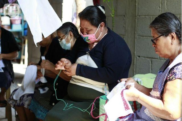 Impulsarán artesanías de mujeres indígenas de Tehuacán