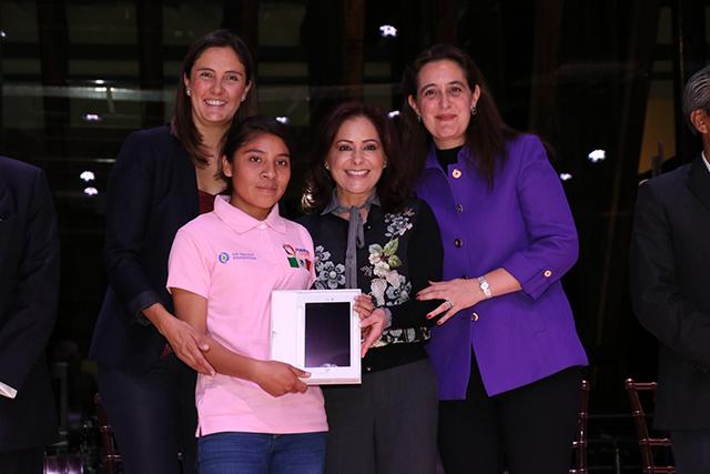 SEDIF y SEP presentan programa Mujeres STEM, Futuras Líderes