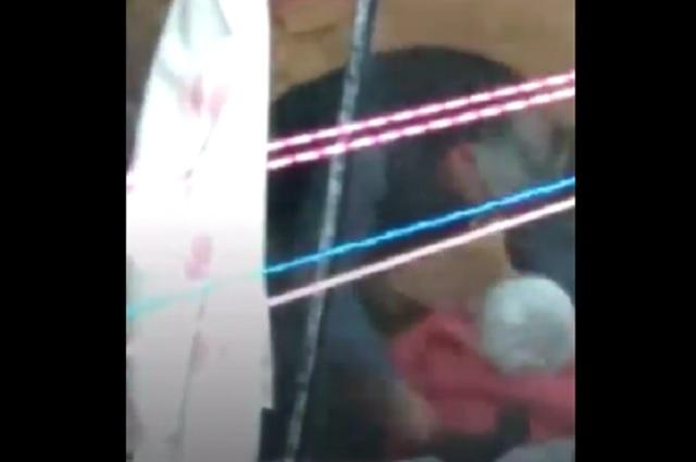 Fuerte video: Graban a sujeto golpeando a mujer mayor de edad en casa
