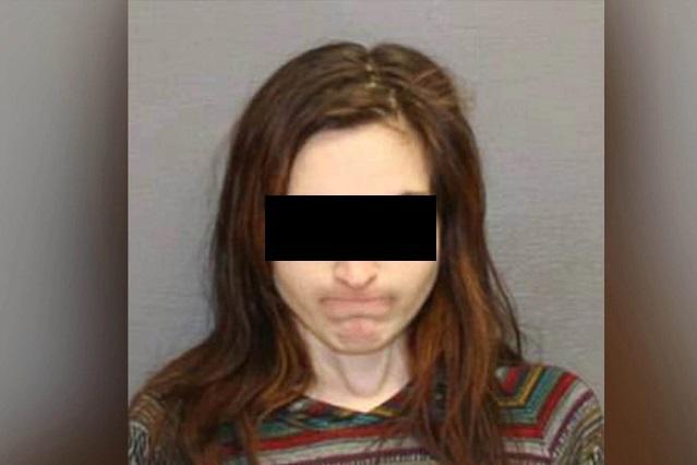 Mujer obliga a su ex novio con un machete a tener sexo con ella