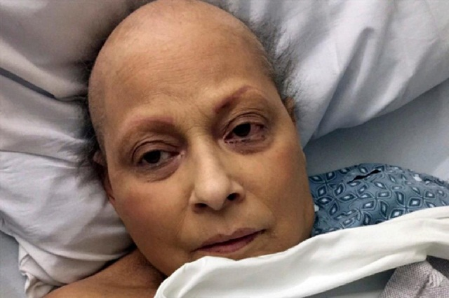 Mujer asegura que por usar talco le dio cáncer y gana demanda millonaria