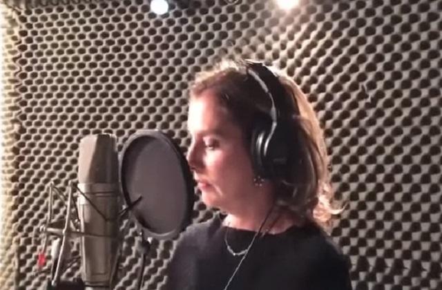 Esposa de AMLO canta tema de su documental