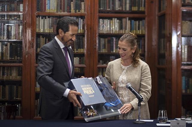 Encabeza Beatriz Gutiérrez Müller firma de convenio con la BUAP