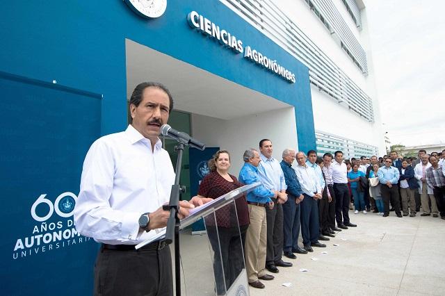 Inauguran edificio multilaboratorios de Unidad BUAP en Tecamachalco