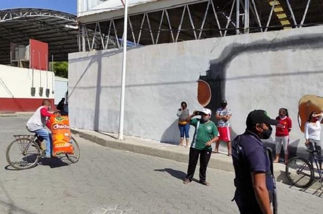 En Miahuatlán borran mural dedicado al Día de Muertos