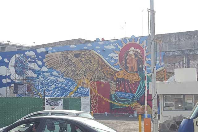 Murales con leyendas y mitos de Puebla ya visten calles del centro