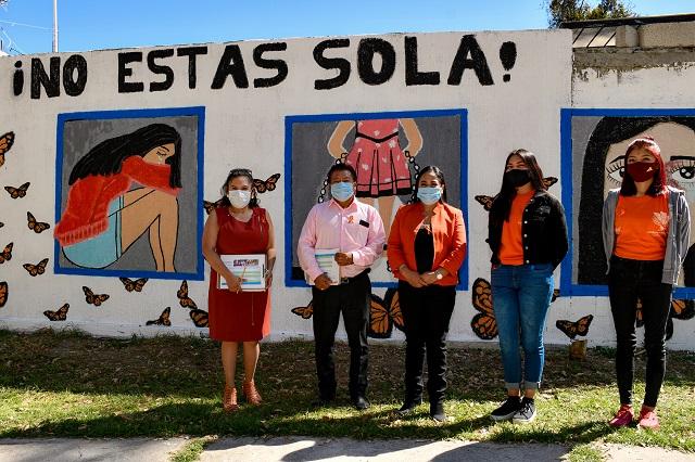 Premia Lupita Daniel murales contra la violencia hacia la mujer