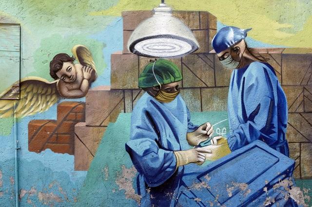 Realizan mural en Puebla en honor al personal médico que lucha contra Covid