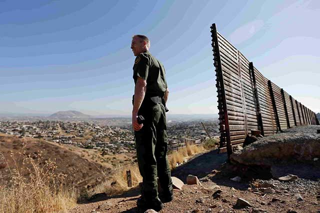 Trump acepta que no es necesario que el muro se coloque en toda la frontera