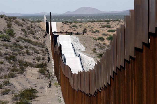 Pentágono cancela construcción del muro fronterizo con México