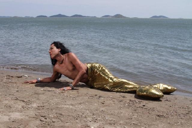Nelson Morales es un mexicano retrata la vida de los muxes