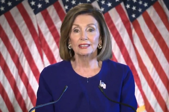 Pese a indagación a Trump, Pelosi pide a demócratas impulsar el T-MEC