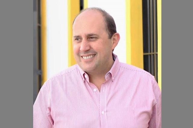 Posponer pago de tenencia y de placas, propone Manzanilla