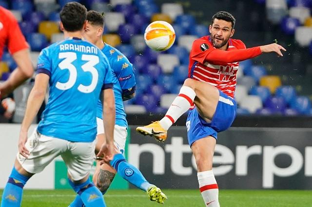 Napoli gana, pero es eliminado de la UEFA Europa League