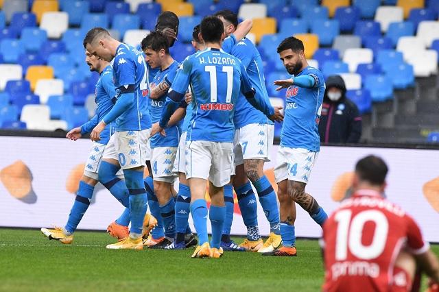 Chucky vuelve a anotar en victoria de Napoli ante Fiorentina