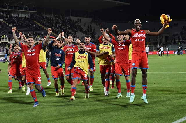 Remontada, gol del 'Chucky' y Napoli se apodera del liderato en Serie A